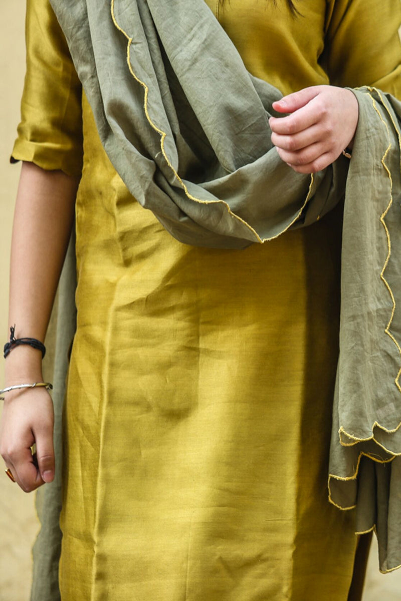 Olive Green Scalloped Bootah Dupatta