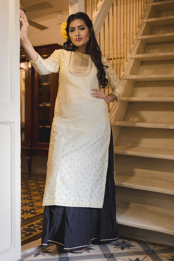 Muggu Phool Embroidered Kurta