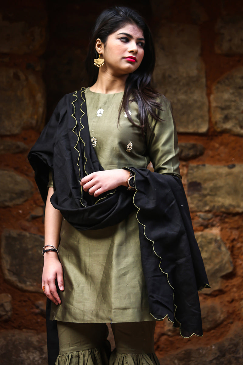 Black Scalloped Bootah Dupatta