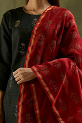Charcoal Aari Embroidered Kurta Set with Maroon Dupatta (Set of 3)