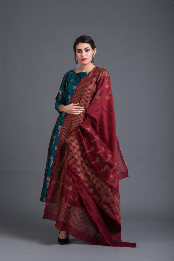 Zircon Lily Set with Maroon Dupatta (Set of 3)