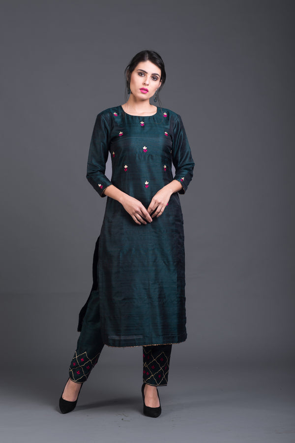Chrome Floral Embroidered Kurta