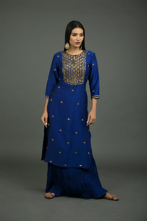 Neela Aari Embroidered Kurta
