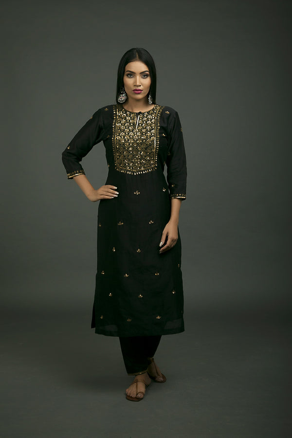 Shalimar Aari Embroidered Kurta