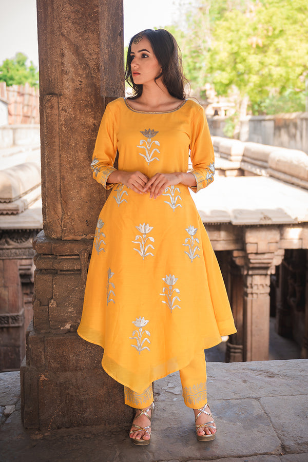 Mustard Floral Printed Kurta Set with Dupatta (Set of 3)