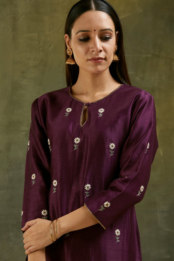 Fiza Hand Embroidered Bootah Kurta