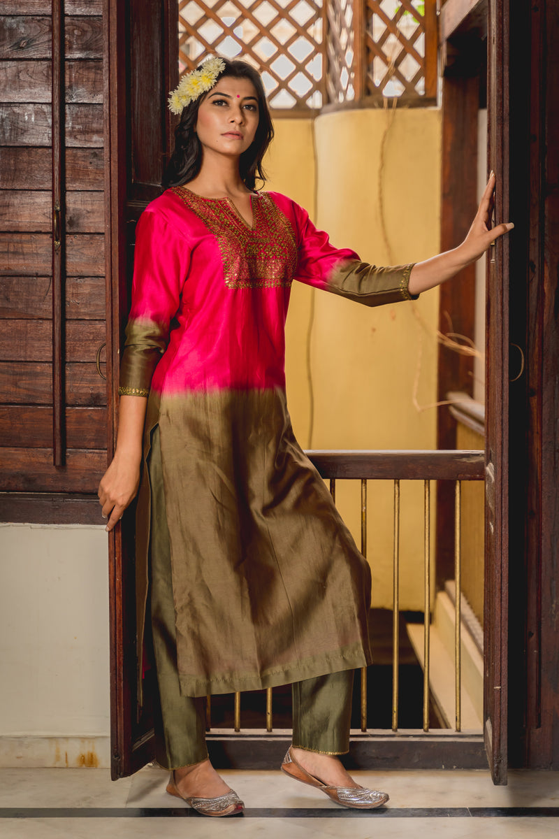 Noori Aari Embroidered Kurta Set with Dupatta (Set of 3)