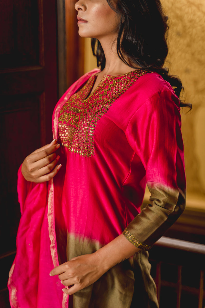 Noor Aari Embroidered Kurta