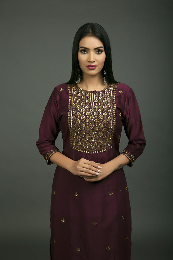 Jahanara Embroidered Kurta & Skirt (Set of 2)