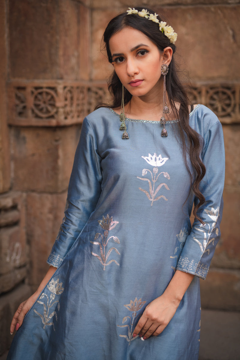 Stone Blue Floral Printed Kurta Set with Dupatta (Set of 3)