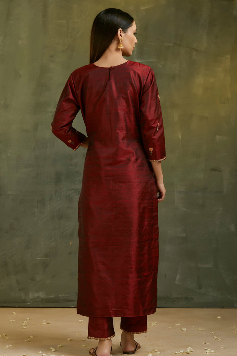 Falaq Hand Embroidered Bootah Kurta
