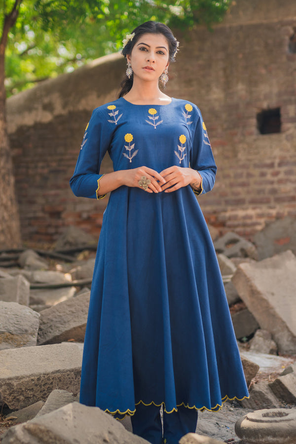 Indigo Mogra Scalloped Kurta & Pant (Set of 2)