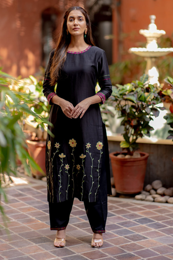 Black Gold Embroidered Kurta