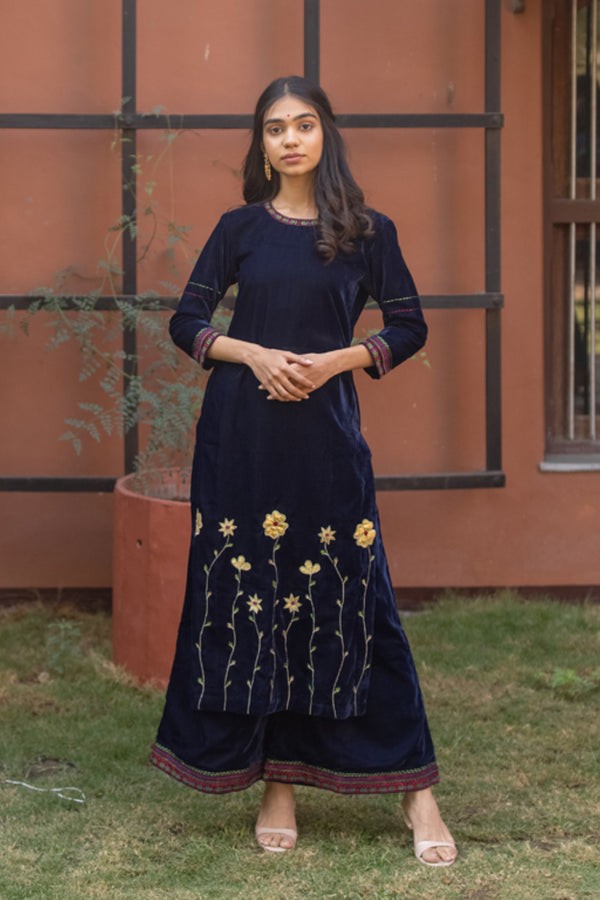 Blue Velvet Embroidered Kurta Set with Dupatta (Set of 3)