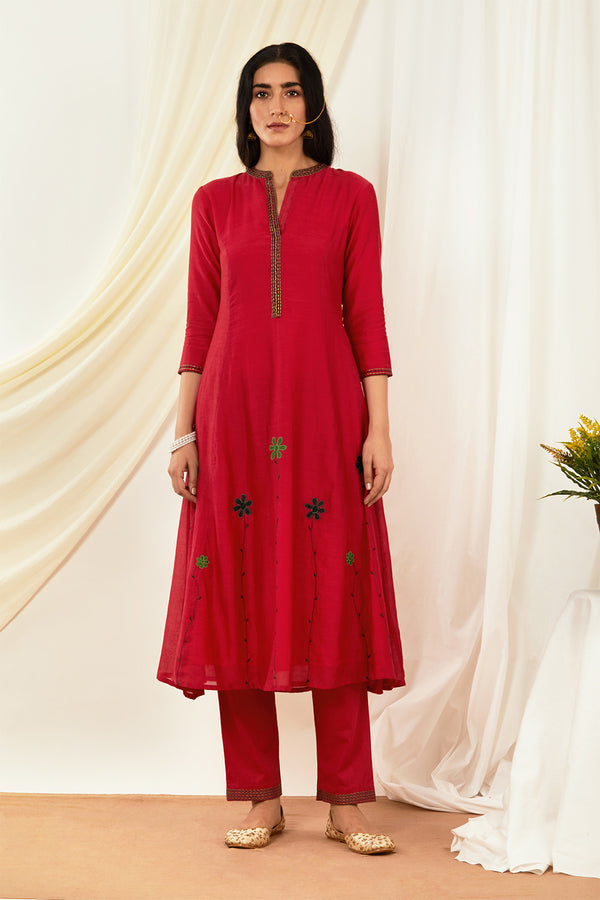 Red Floral Embroidered Kurta & Pant (Set of 2)
