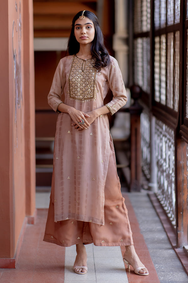 Naintara Gota Embroidered Georgette Kurta