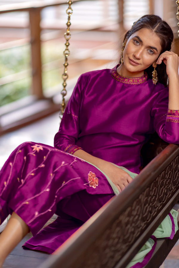 Burgundy Gold Embroidered Kurta Set with Pants (Set of 2)
