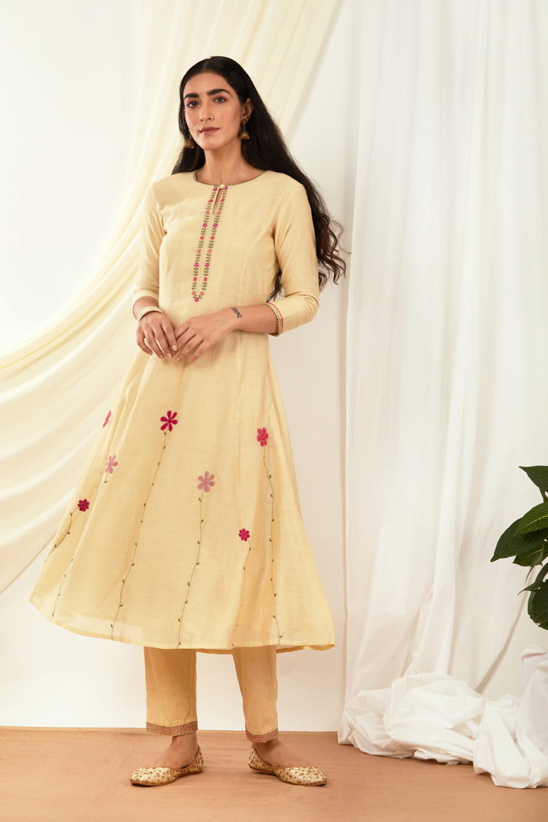 Cream Applique Embroidered Kurta