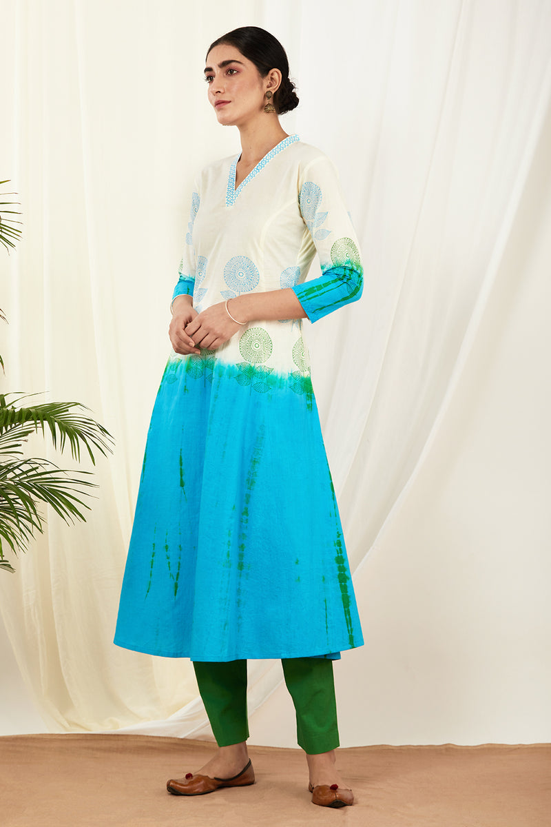 Ivory-Aqua Blue Shaded Kurta Set with Dupatta (Set of 3)