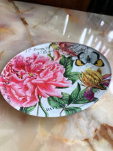 Load image into Gallery viewer, Floral Soap Dish