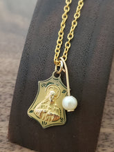 Load image into Gallery viewer, Gold Scapular with Pearl