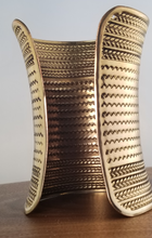 Load image into Gallery viewer, Cleopatra Cuff