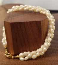 Load image into Gallery viewer, Hand Strung Seed Pearls Bracelet