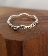 Load image into Gallery viewer, Sterling Silver Wave Thumb Ring