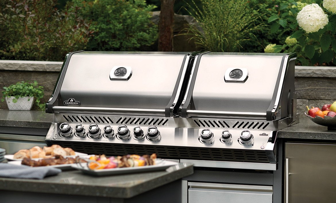 Napoleon Outdoor Kitchens