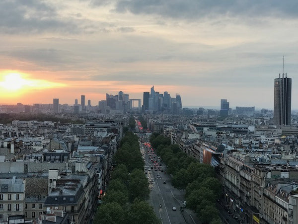paris-at-dusk-city-of-light-lit-up