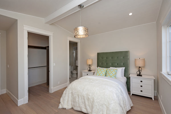 transitional-lighting-deco-bedroom