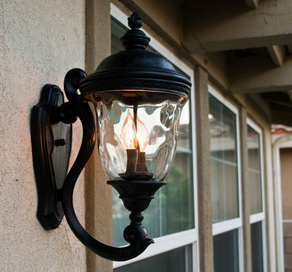 Outdoor Lighting: Outside Light Fixtures & Exterior Lighting - LampsUSA