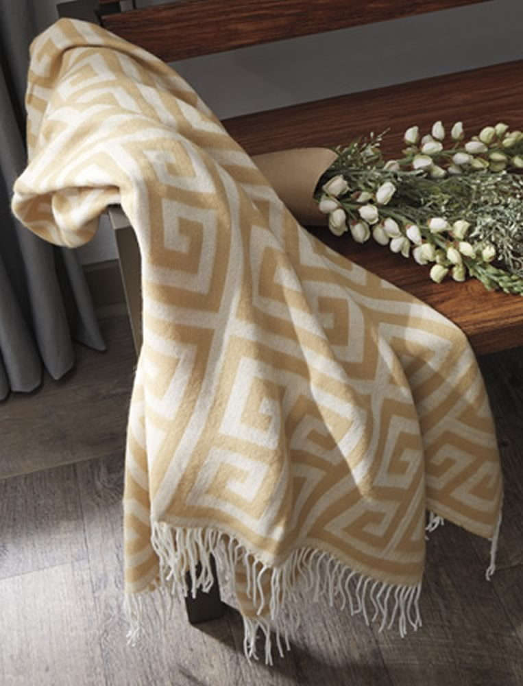Anitra Throw (Set of 3) Gold