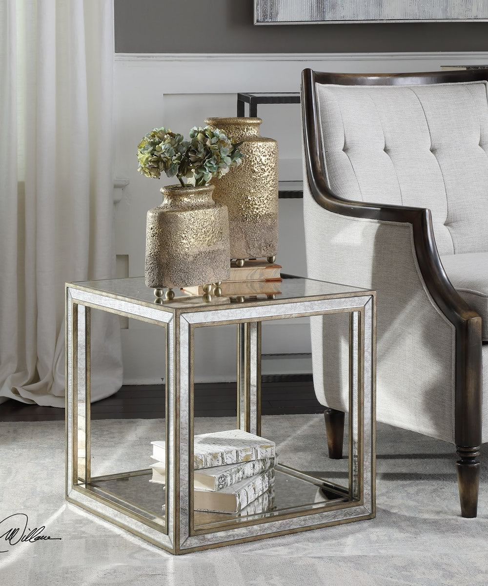 "19""H Julie Mirrored Accent Table"