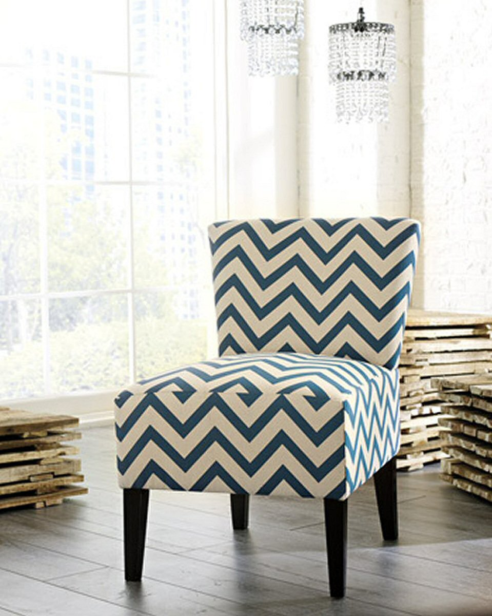 "33""H Ravity Accent Chair Blue"