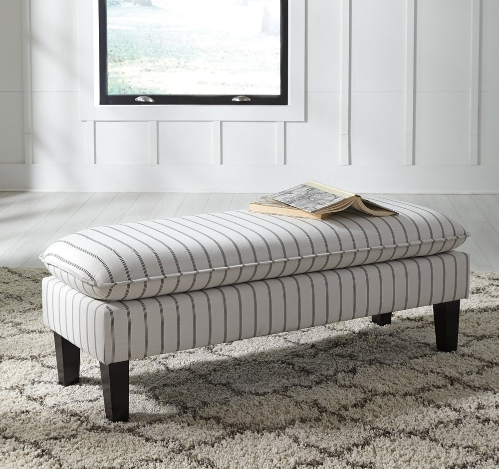 "17""H Arrowrock Accent Bench White/Gray"