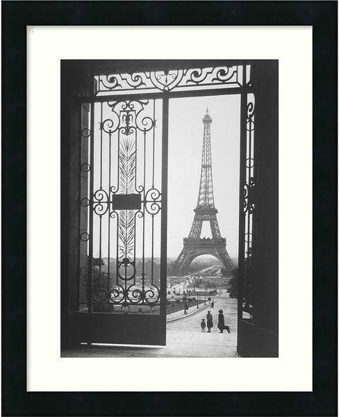 Amanti Art Gall The Eiffel Tower From The Trocadero 1925 Framed Print AA01064
