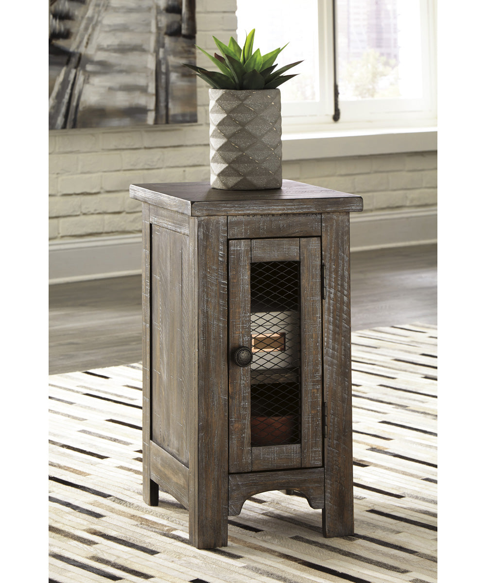 "25""H Danell Ridge Chair Side End Table Brown"