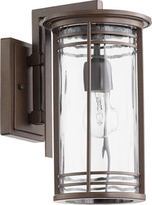 Quorum Larson 1-light Outdoor Wall Lantern Oiled Bronze w/ Clear Hammered Glass