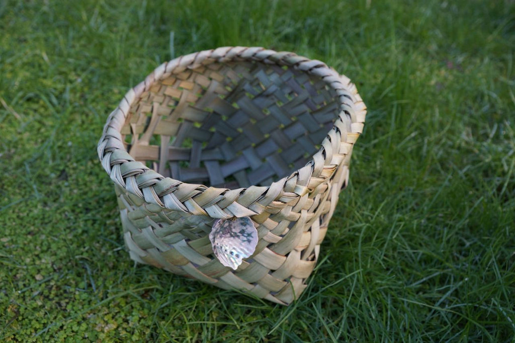 small waikawa basket