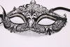 boudoir diamante mask crocodildo 03
