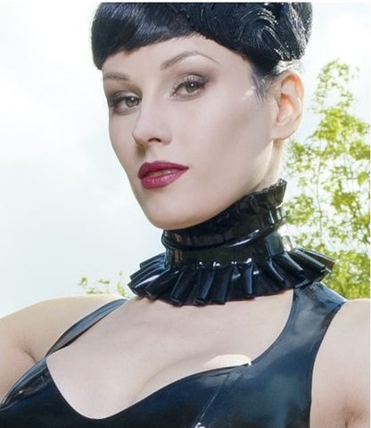 Pleated Double Ruffle Latex Collar