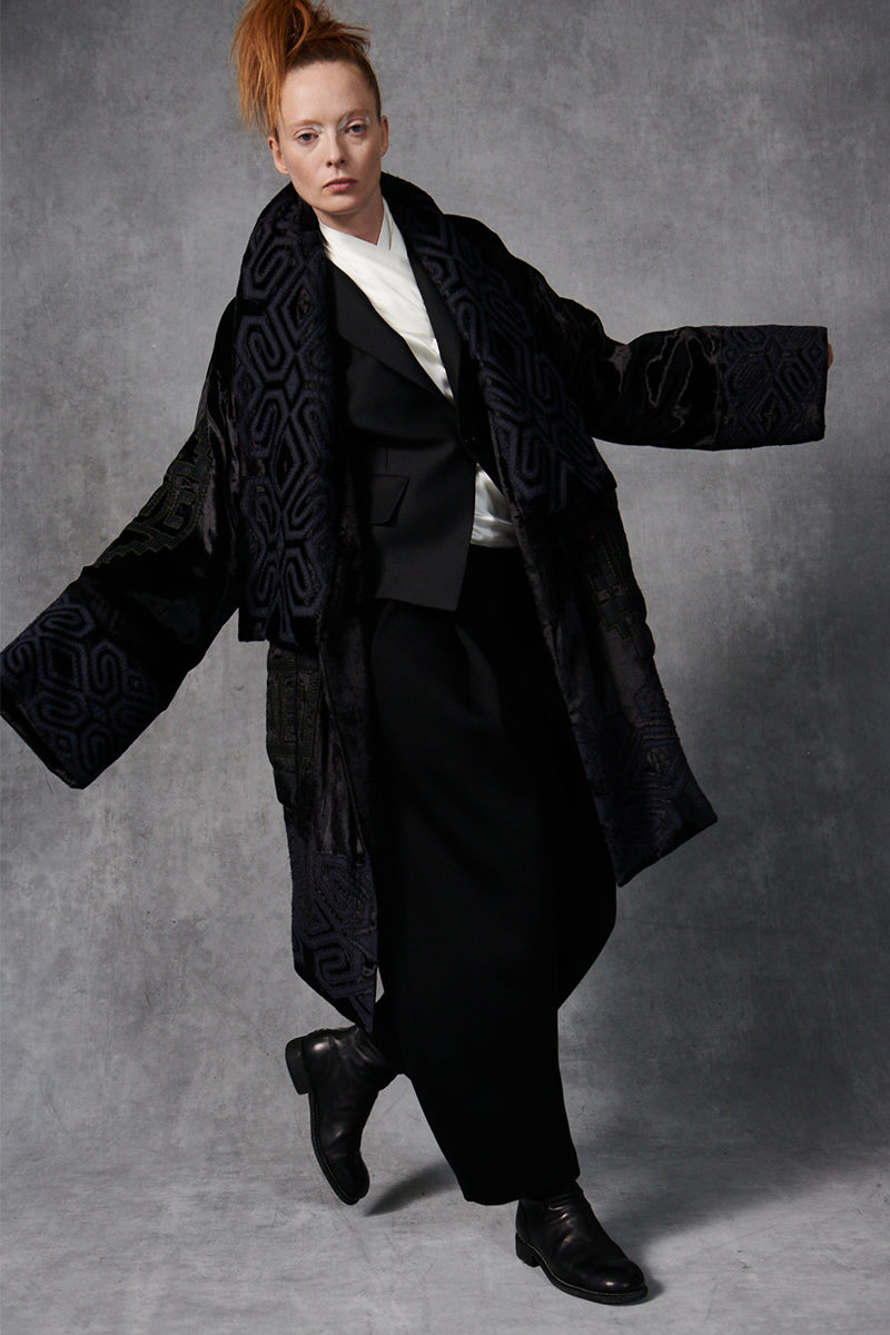 Embroidered Velvet Coat Black/Indigo P/S S/M M/L