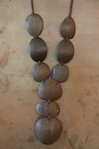 Coconut Rounded Necklace Brown