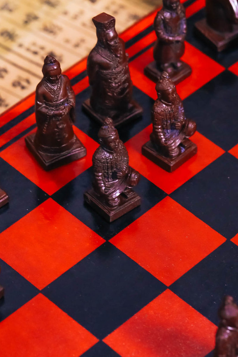 Curved Chess Set