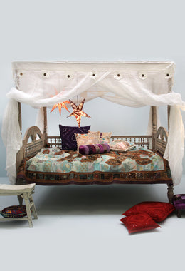 White Cecilia Queen Day Bed