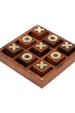 Tic Tac Toe Set in Wooden Box