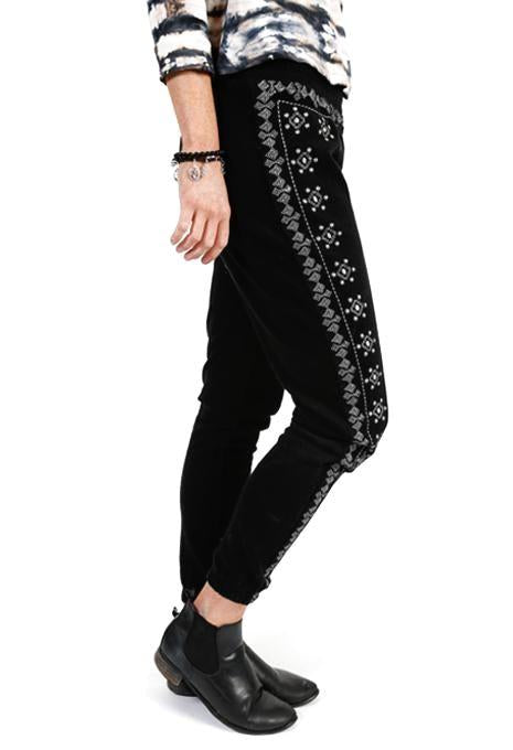 3/4 Embroidered Pants