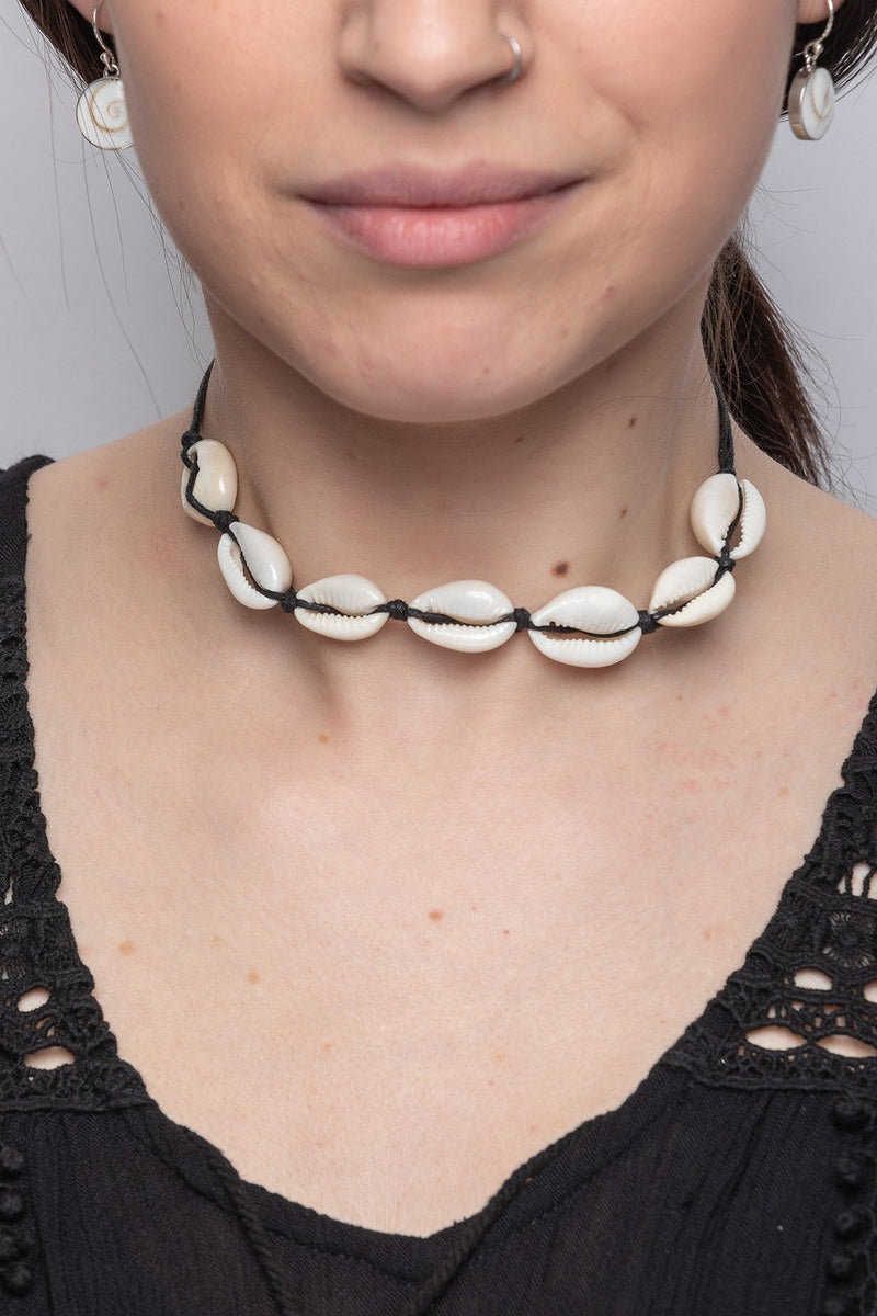 Necklace Choker Shells Black