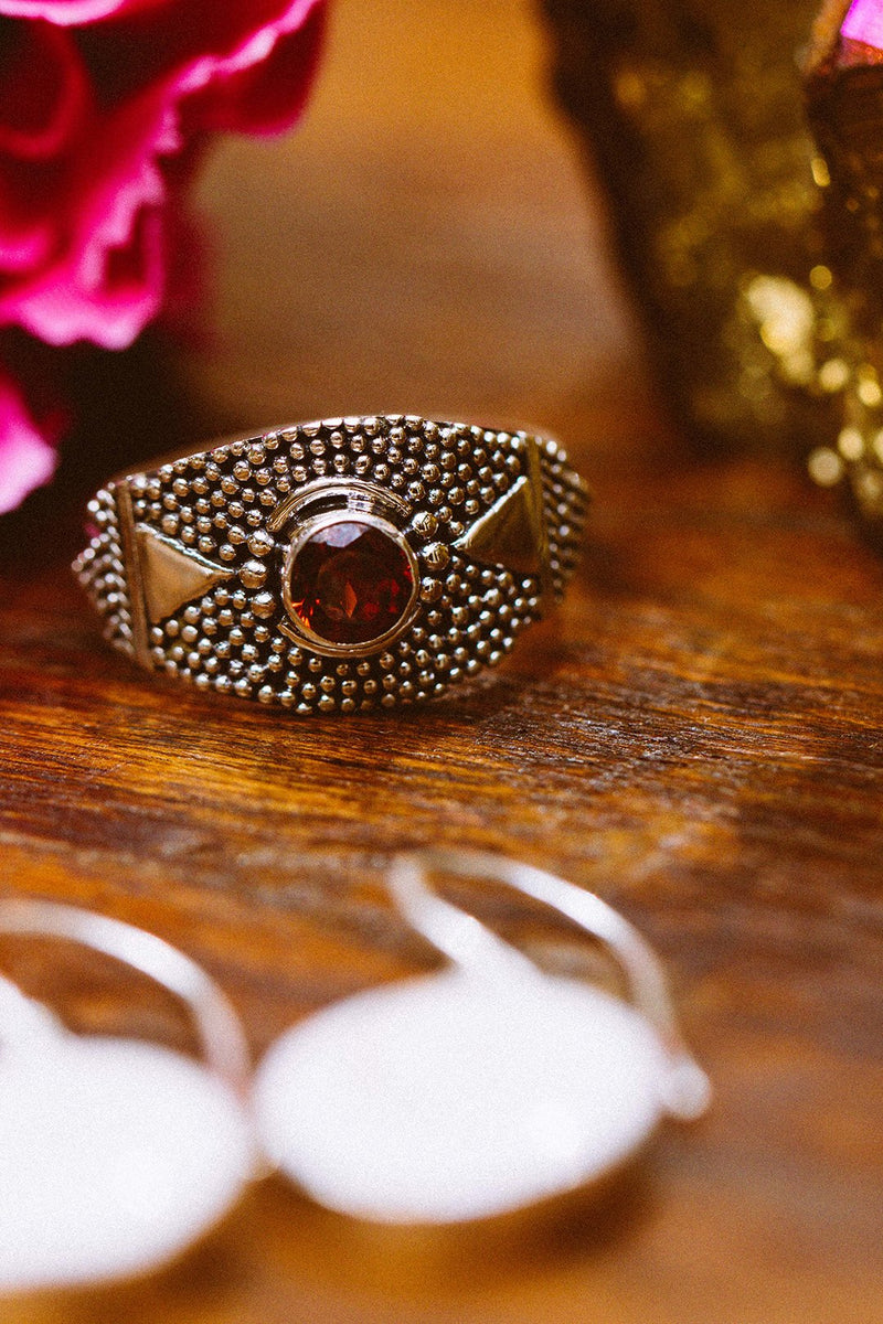 Dotted Aztec Garnet Silver Ring